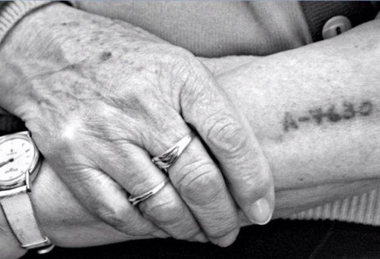 numero-tatuado-a-un-exprisionero-judio-durante-el-holocausto